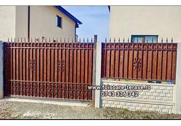 Gard metalic îmbrăcat in lambriu pe interior